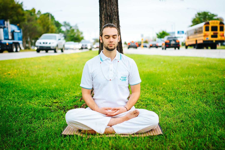 Meditating in Noisy Area